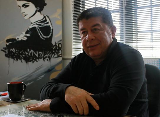 """Entrevista a Arturo Tejada Tejada: """"Hoy el perfil de los diseñadores es polivalente"""""""