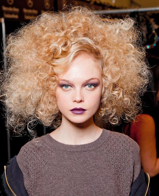 ¿Qué peinados prefieren las chicas de pelo crespo?