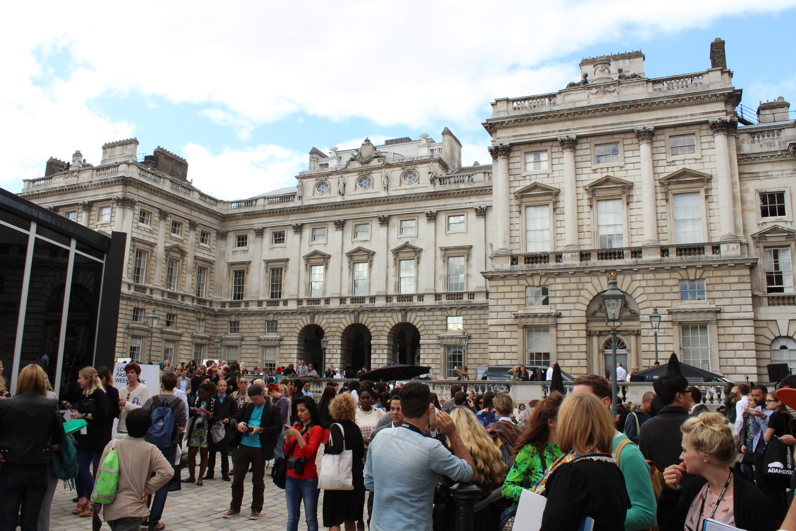 Londres día uno: intensidad, identidad y extravagancia