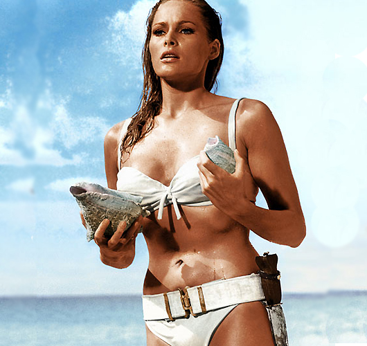 El bikini de Ursula Andress, la Chica Bond por excelencia