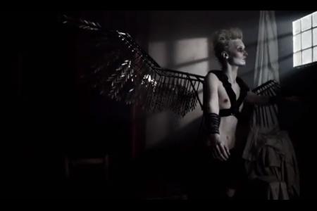 VLC ♥ HUNGER TV: BE STILL, MY BEATING HEART