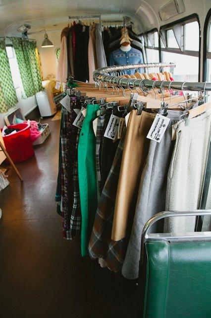 Teen en tienda de ropa - 3 3