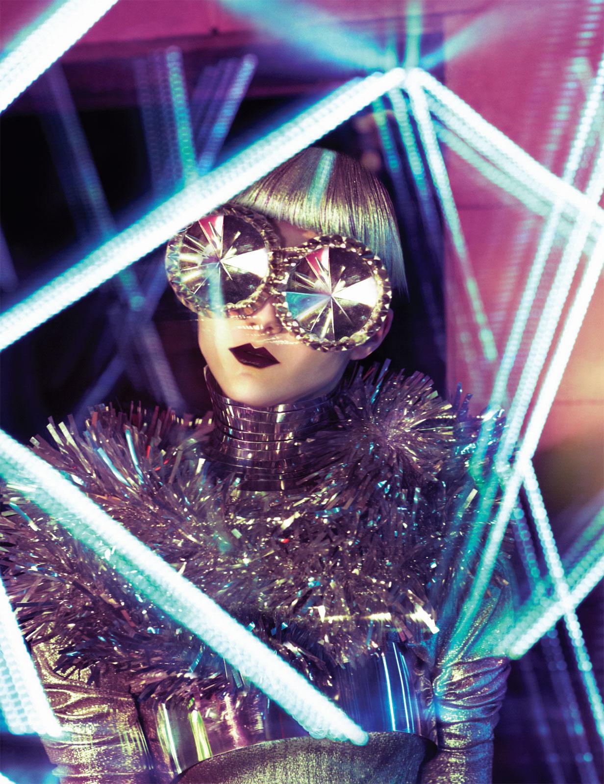 Weltraumoper por Elizaveta Porodina en Vice Magazine 2012