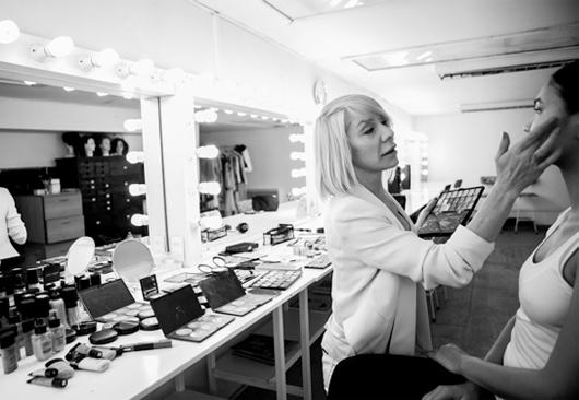 Venta de Garage en la Escuela de Maquillaje Carla Gacic