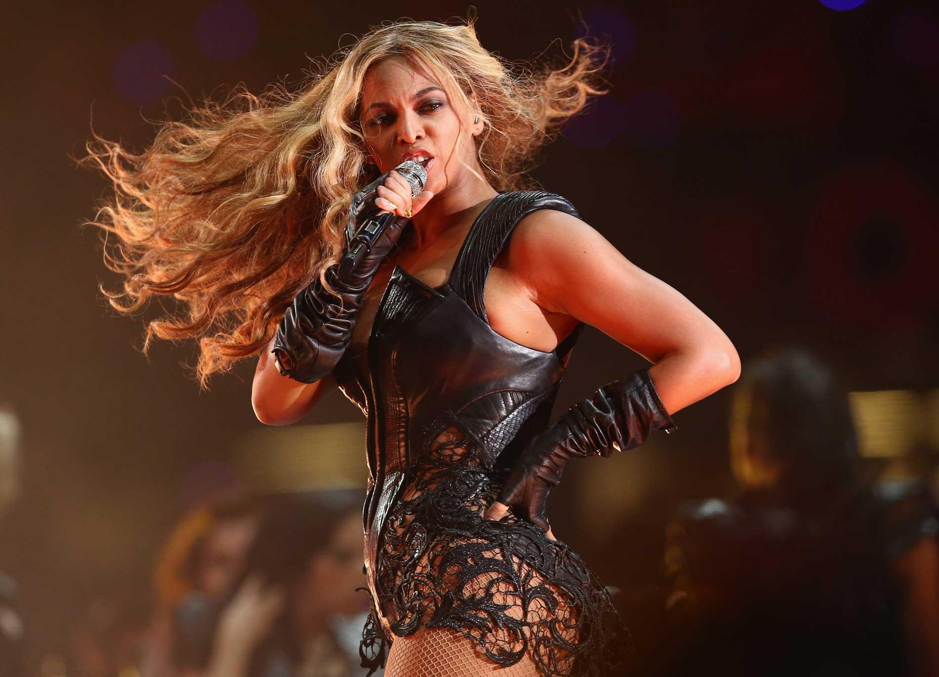El vestuario de Beyonce en el Super Bowl