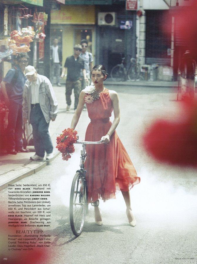 Liu Wen por Alexi Lubomirski para Vogue Germany, 2012