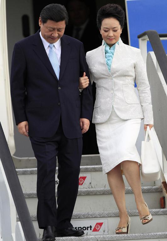 El fenómeno de Peng Liyuan, la Primera Dama China que impacta el mundo de la moda