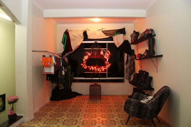 """""""Escuela de Divinos"""", la tienda fetichista y kitsch de Brasil"""