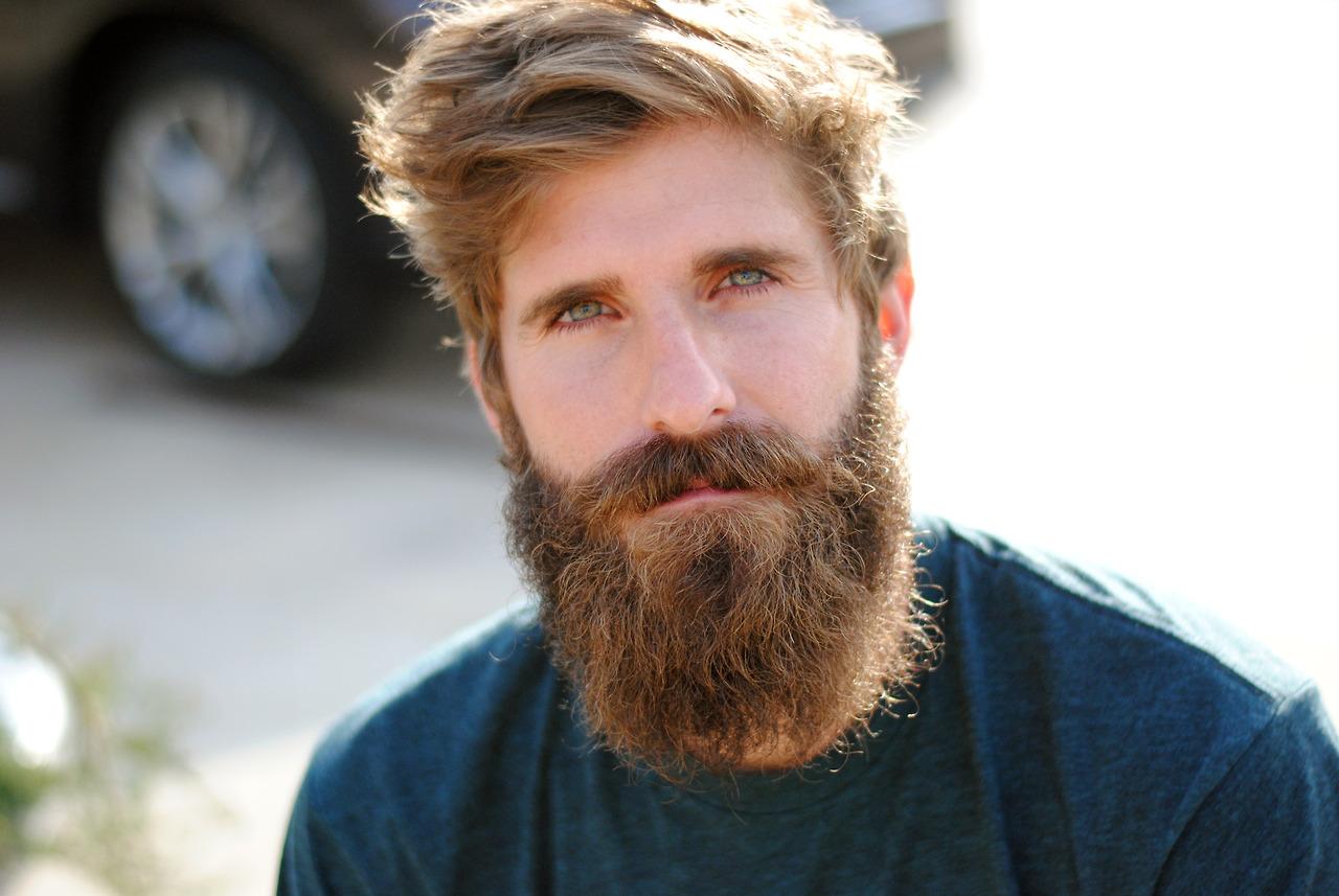 VLC Man: La revolución de los implantes de barbas