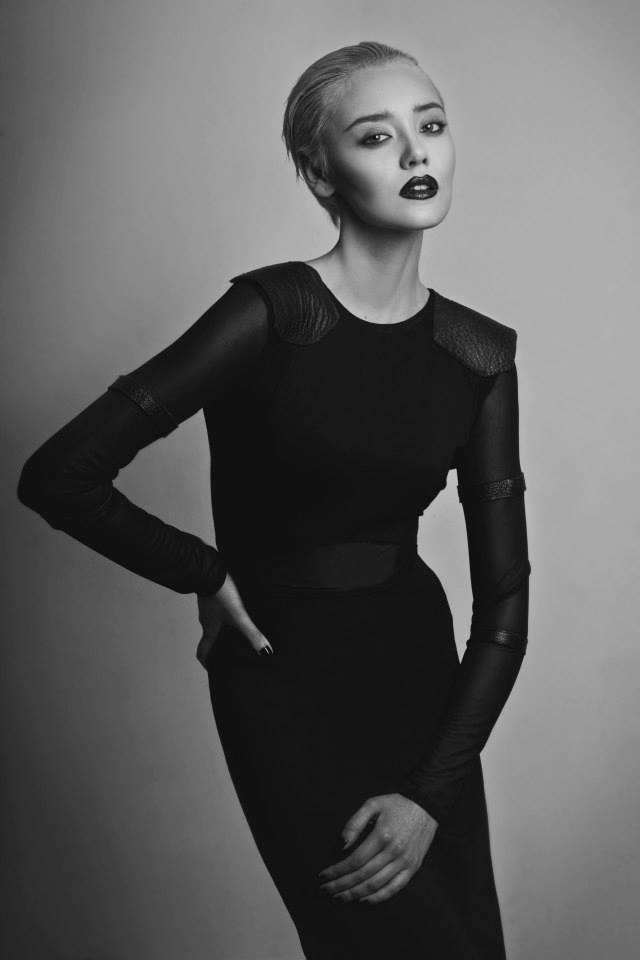 Caro Castillo Añaños: la diseñadora emergente que crea looks andróginos