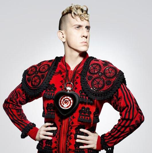 FashionNewsExtra: Jeremy Scott, nuevo director creativo de Moschino