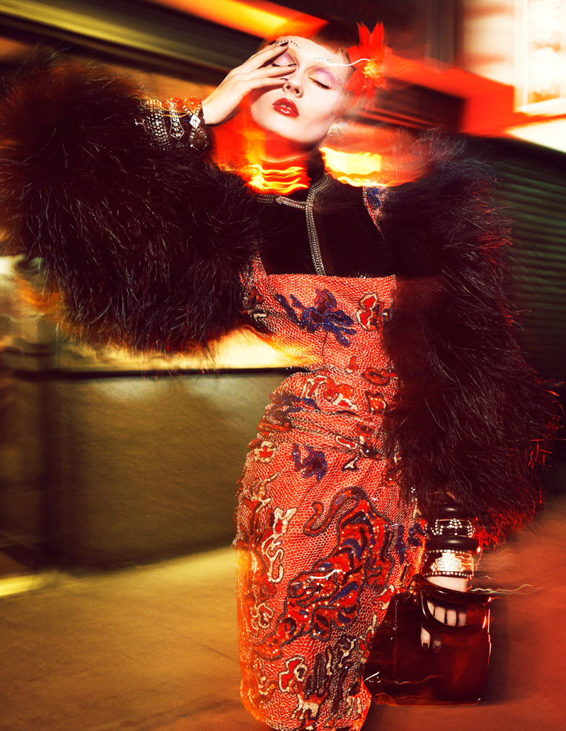 Glamour callejero con Monika Jagaciak en Numéro, 2011