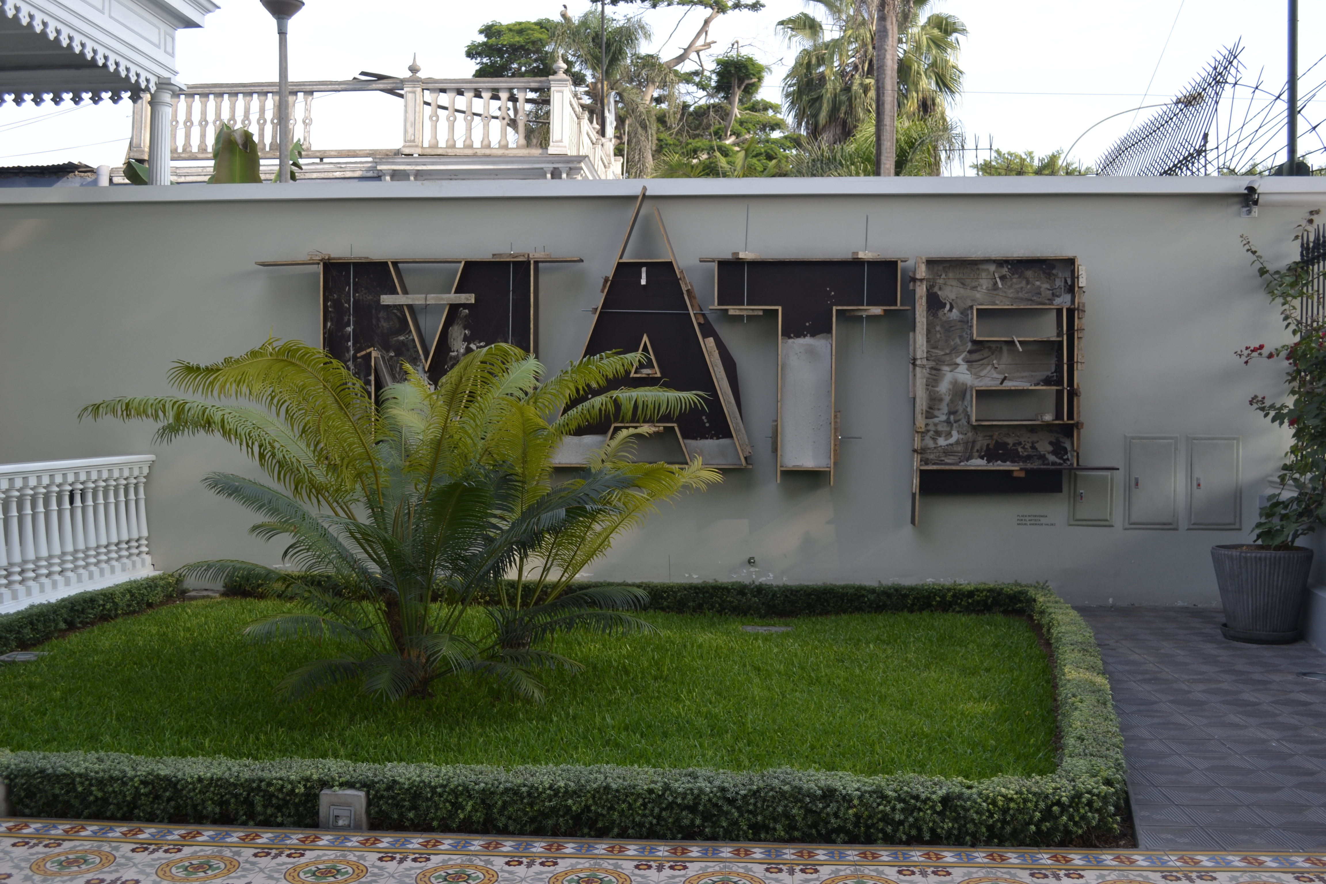 MATE, Asociación Mario Testino: Moda y arte como legado cultural