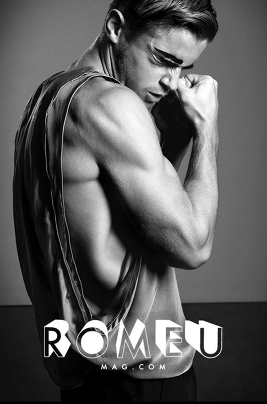 VLC Man: Romeu Magazine y la cita a los cuerpos desnudos del arte