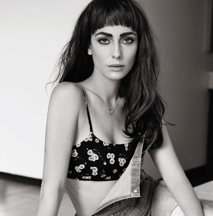 Javiera Diaz de Valdes Nude Photos 48