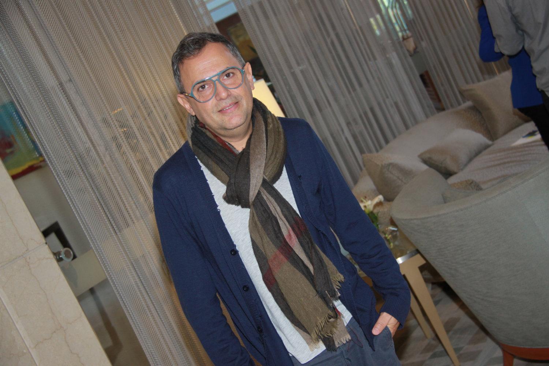 """Paulo Borges, creador de São Paulo Fashion Week: """"El fast fashion es un virus que contaminó la industria de la moda"""""""