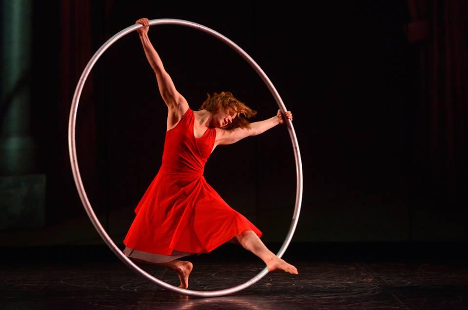 El diseño de vestuario tras Cirkopolis, el espectáculo circense que se presenta hasta el 27 de julio en Teatro Municipal Las Condes