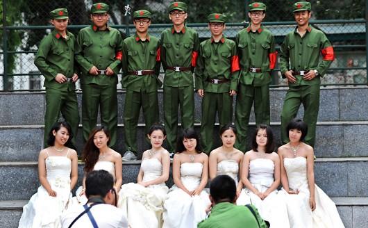 La nueva tradición China: graduarse de la universidad vestidas de Novia