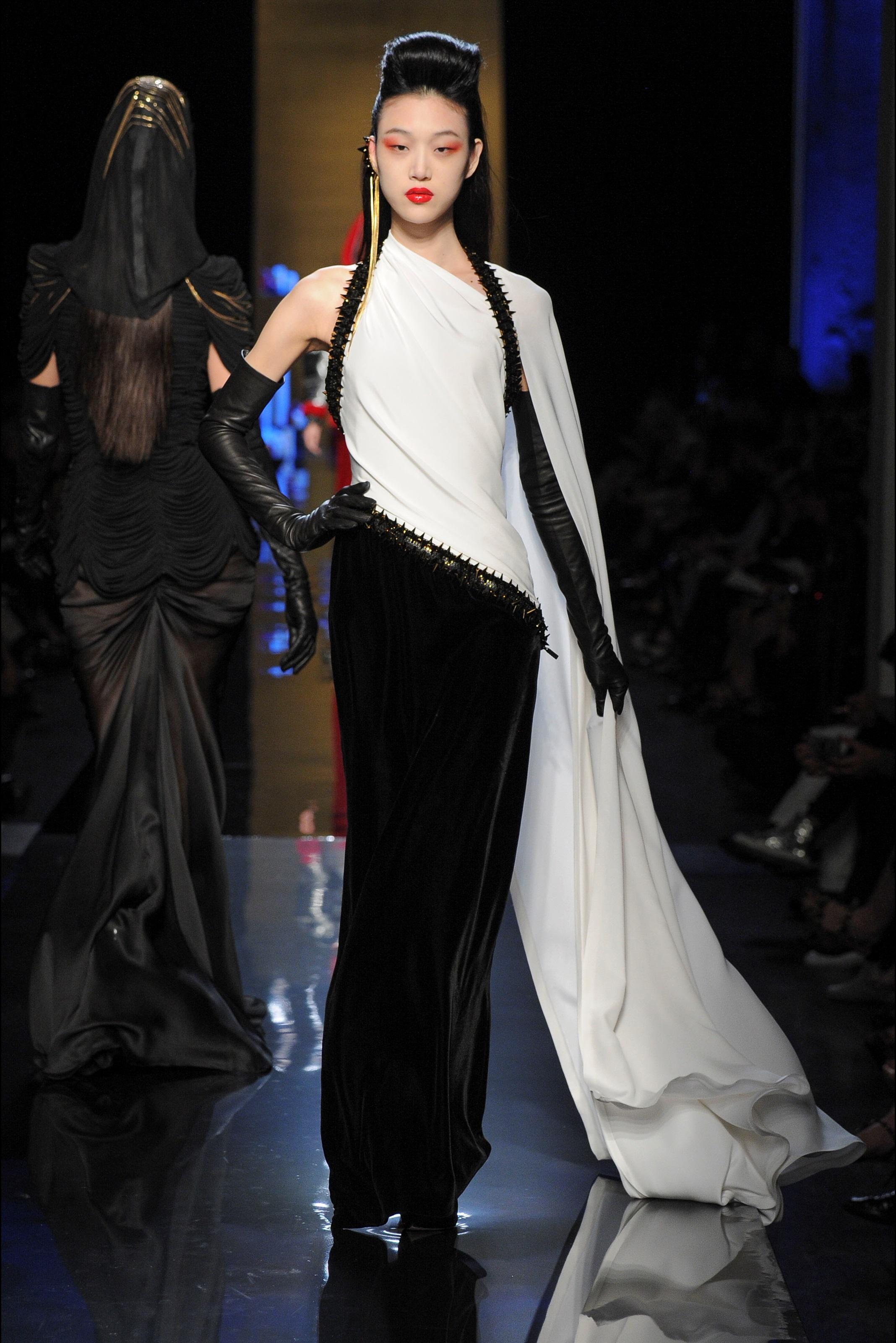 Jean Paul Gaultier, el último espectáculo de la alta costura