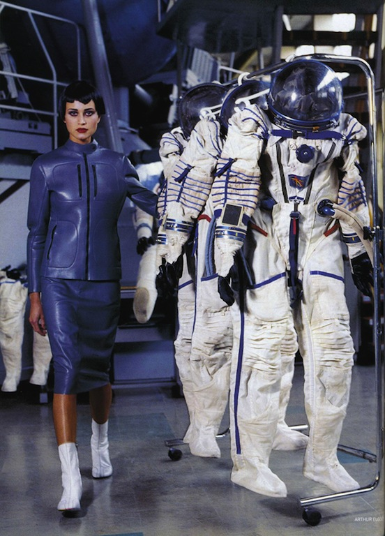 Space Age y la carrera espacial por Arthur Elgort, 2010