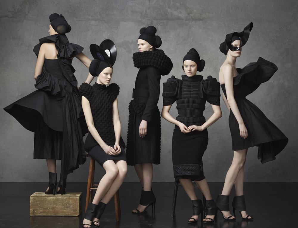 Exposición Svenskt Mode: La historia de la moda sueca de los últimos 15 años se exhibe en Estocolmo