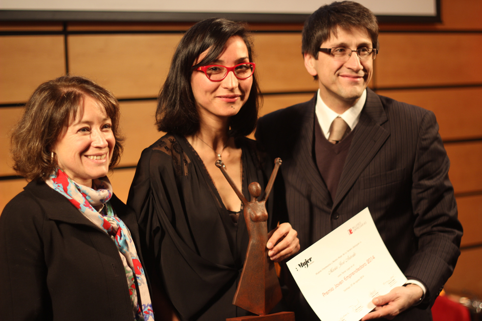 Directora de VisteLaCalle gana el tercer lugar del Premio Joven Emprendedora 2014 Mujeres Empresarias