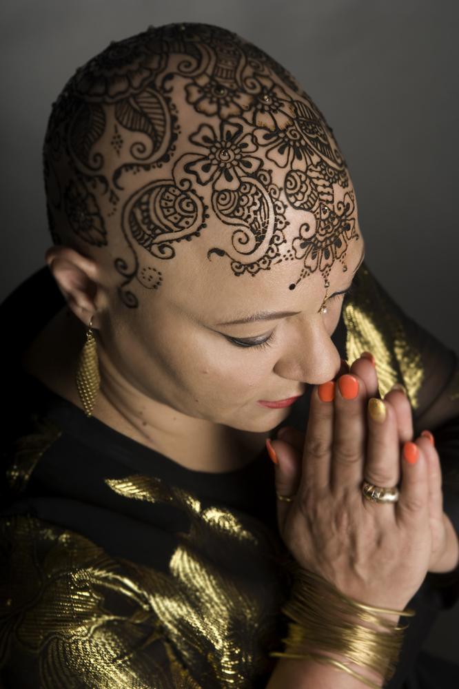 Henna Heals: Una experiencia sanadora para pacientes con cáncer