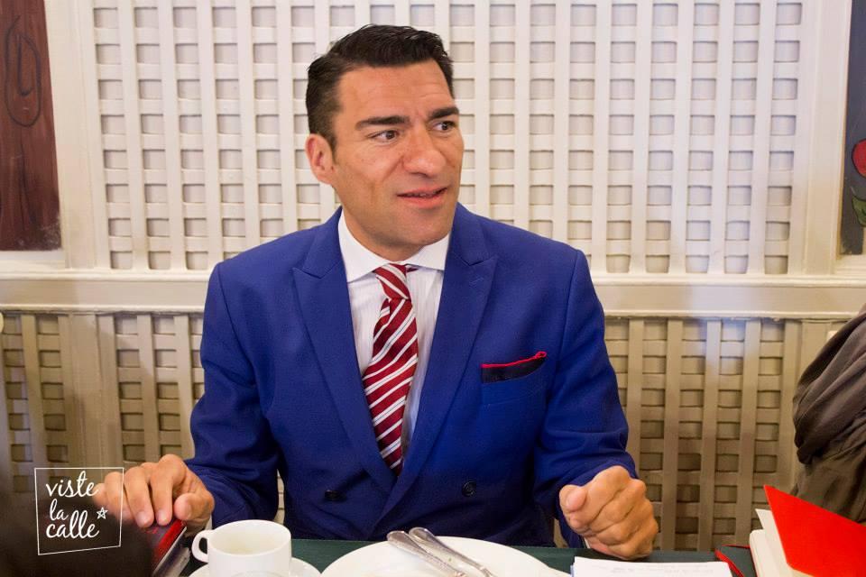 El especialista en moda masculina, David García Bragado, en desayuno con CNCA y VisteLaCalle