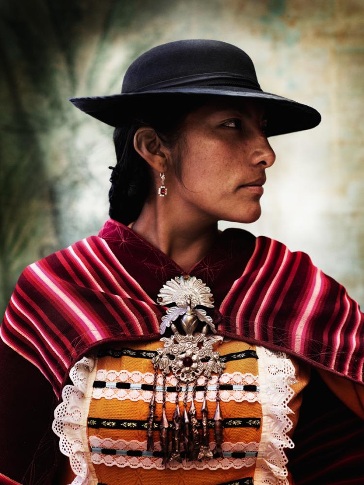Alta Moda de Mario Testino: La exhibición que retrata la tradición del vestuario cuzqueño