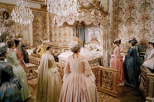 Vestuario femenino: El clásico vestido Watteau