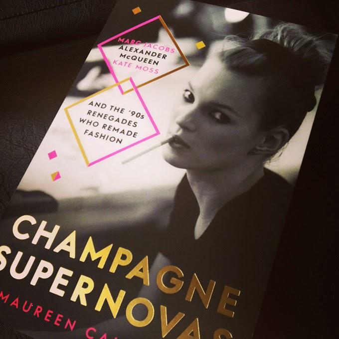 Moss, Jacobs y McQueen en Champagne Supernovas: Crónicas sobre talentos de la moda