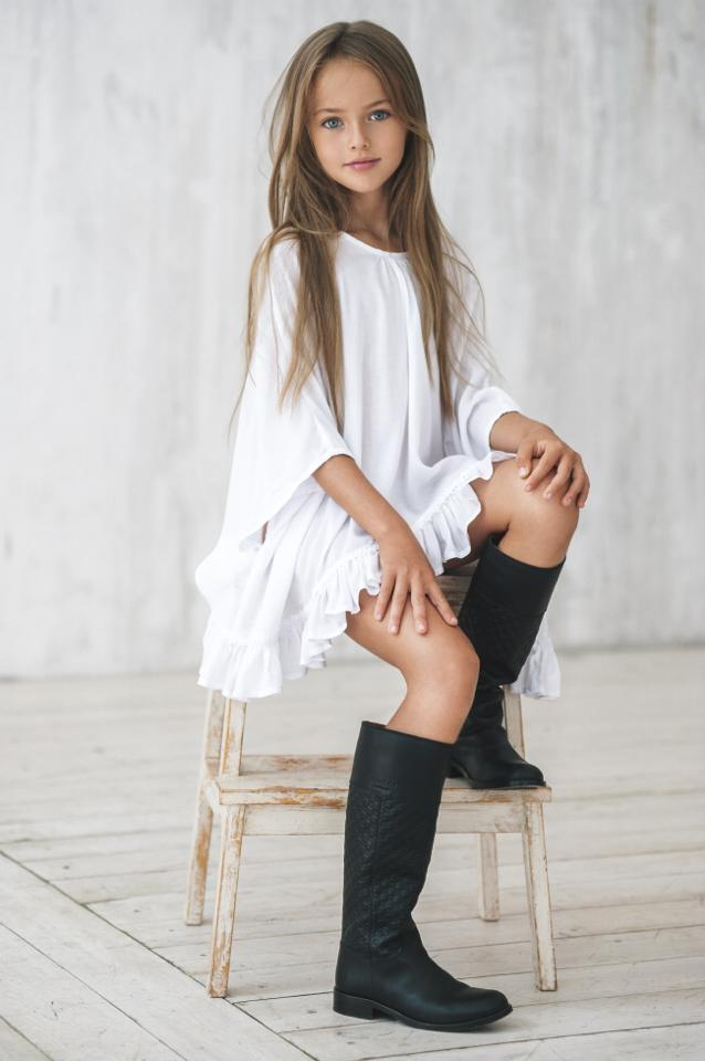 """Kristina Pimenova: la modelo de 8 años proclamada como """"la niña más bonita del mundo"""""""