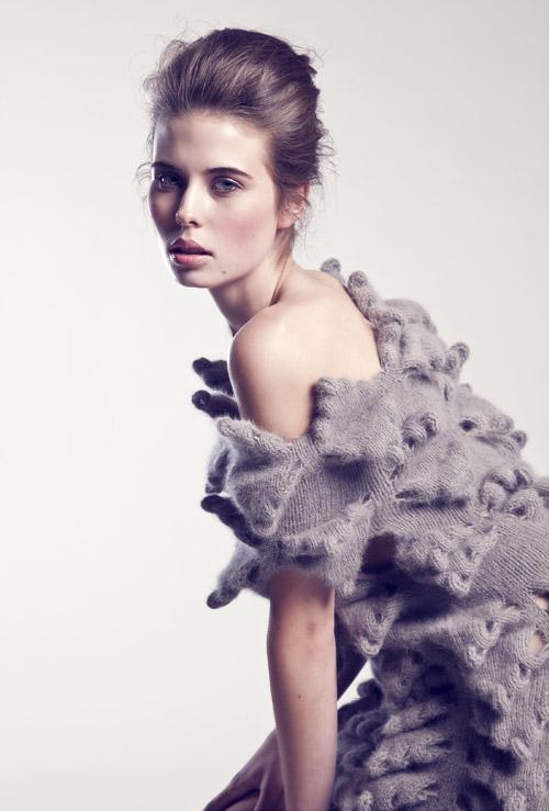 Ragne Kikas, la diseñadora tras los tejidos de Yohji Yamamoto