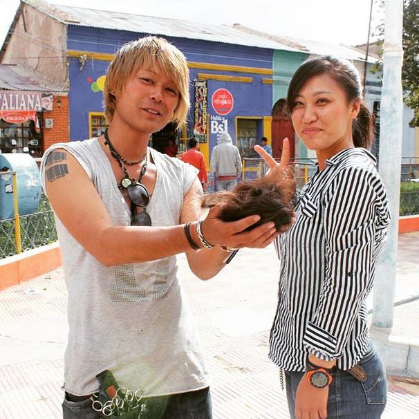 Conocimos a Jun Kuwabara, el estilista japonés que recorre el mundo para lograr 1.000 cortes de pelo