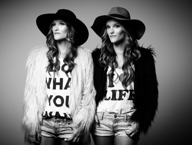 Sisterly Style, el blog que convirtió a las gemelas colombianas en 'It girls'