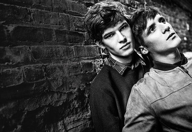 Jarlos, la primera pareja abiertamente homosexual reclutada por una agencia de modelaje