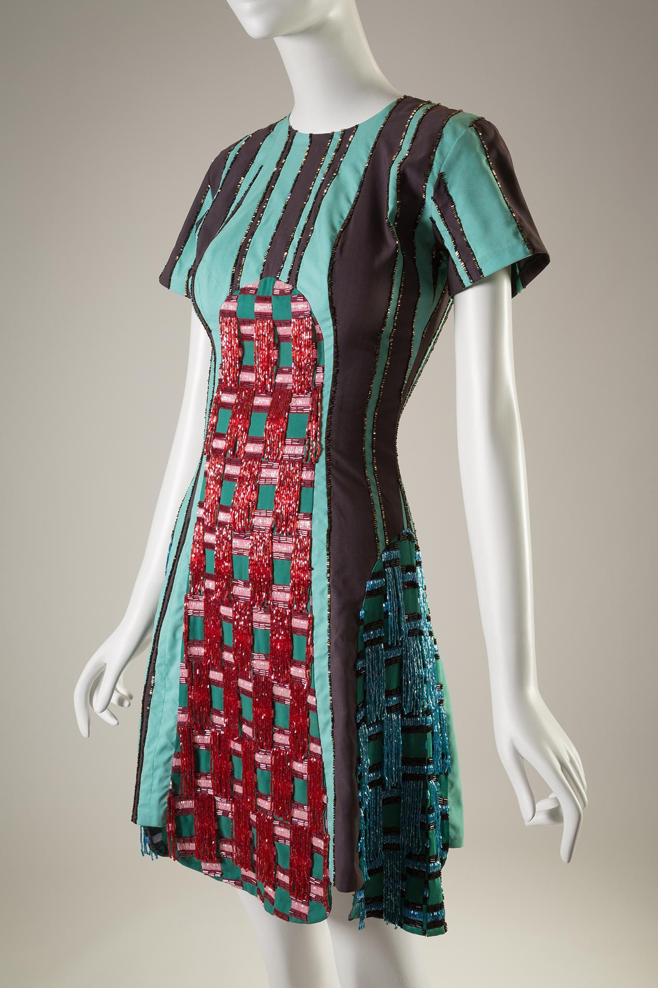 #VLCNewYork: Global Fashion Capitals, la exposición del FIT que muestra las reales capitales de la moda