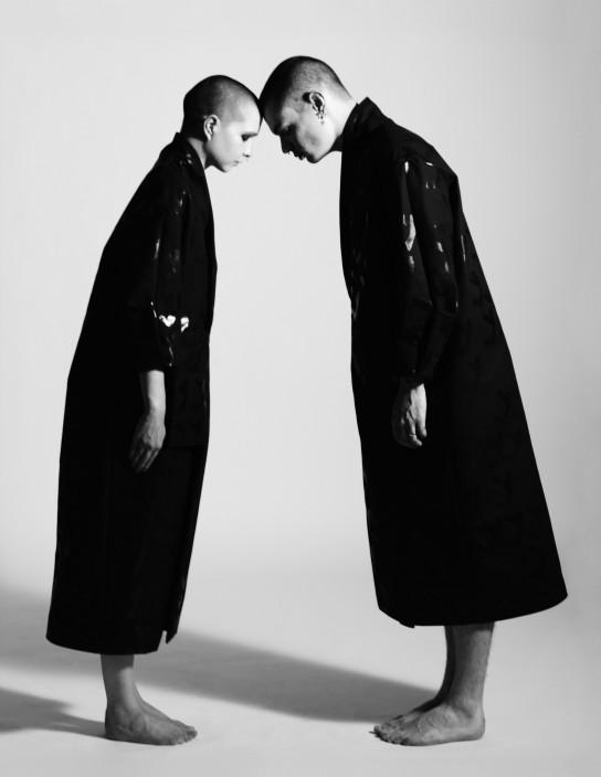 Los uniformes como atuendos de las hermanas Toogood