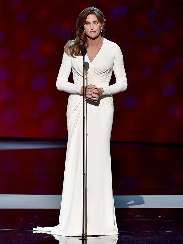 El estilo de Caitlyn Jenner y sus mejores looks hasta el momento