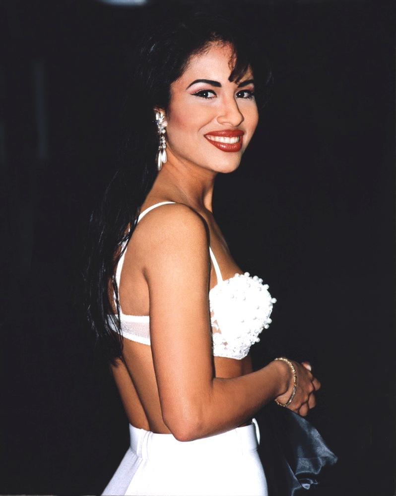 A propósito de la nueva colección de MAC: Recordando a Selena Quintanilla