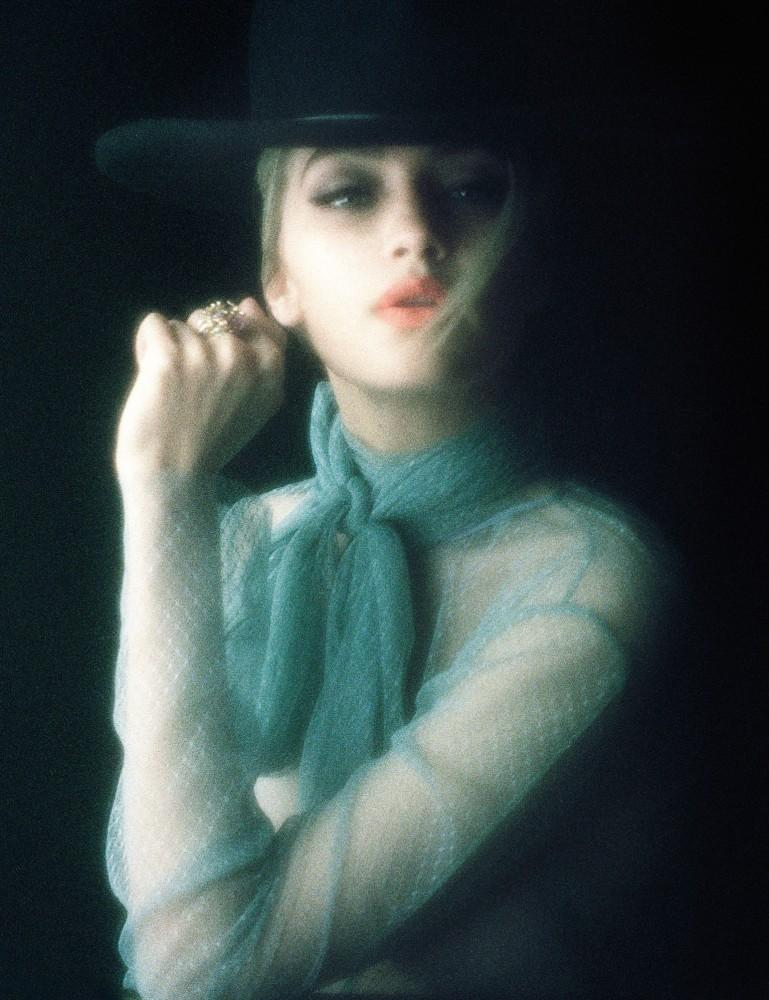Una multifacética Gigi Hadid por Steven Meisel, 2015