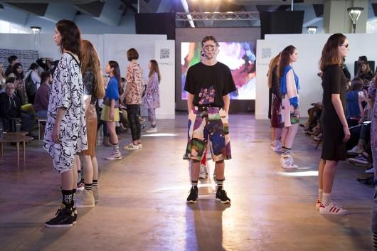 Hecho en Argentina: Las Cyber-cholas de Vanesa Krongold en la primera edición de Regia Fashion Crew