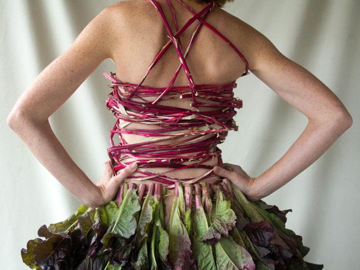 Jacinda Martínez, la artista y granjera que convierte vegetales en indumentaria