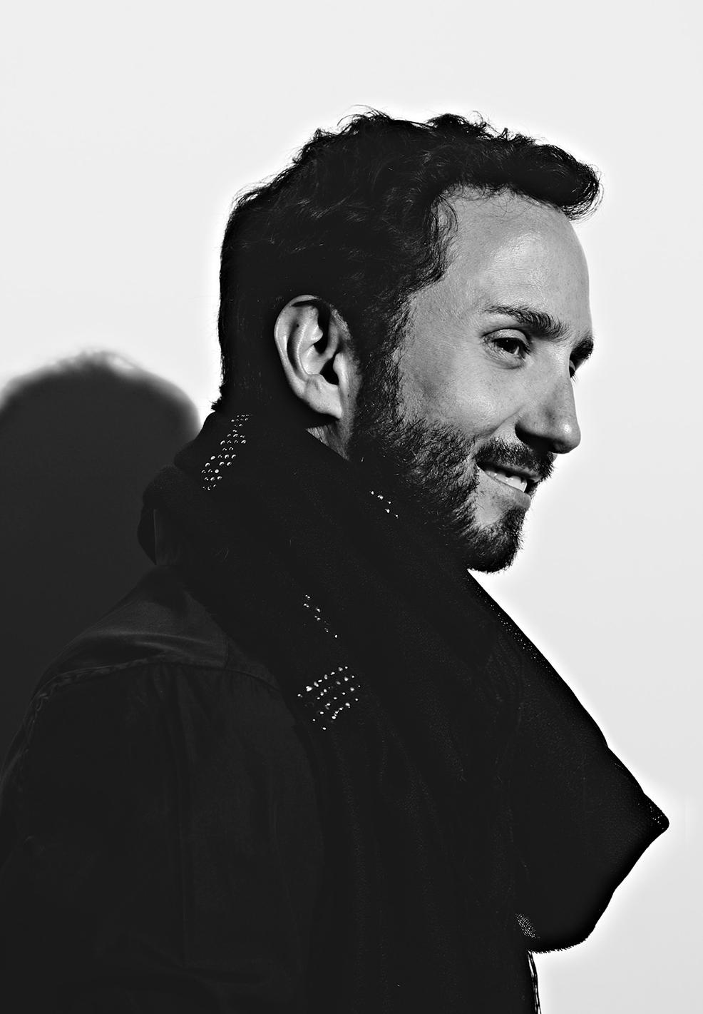 """Entrevista al diseñador chileno Octavio Pizarro:  """"Lo que queda es hacer cosas que sean menos moda y más arte"""""""