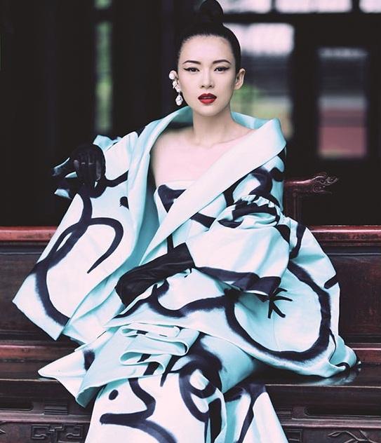 Repasamos el estilo de alfombra roja de Zhang Ziyi en su cumpleaños