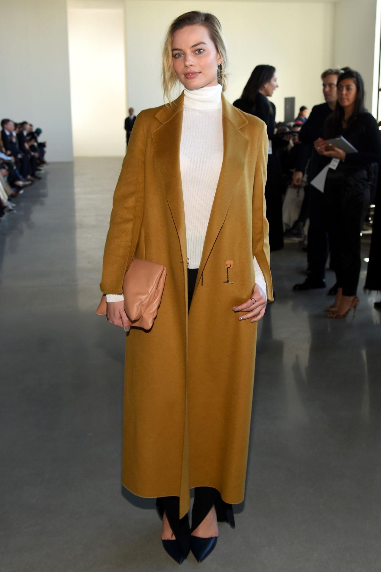Inspiración invernal: Cómo llevar abrigos según el estilo de Margot Robbie