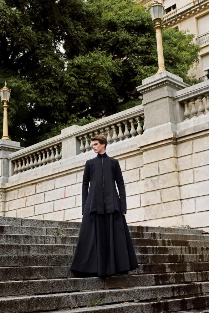 La colección Otoño/Invierno 2016 del diseñador peruano Omar Valladolid