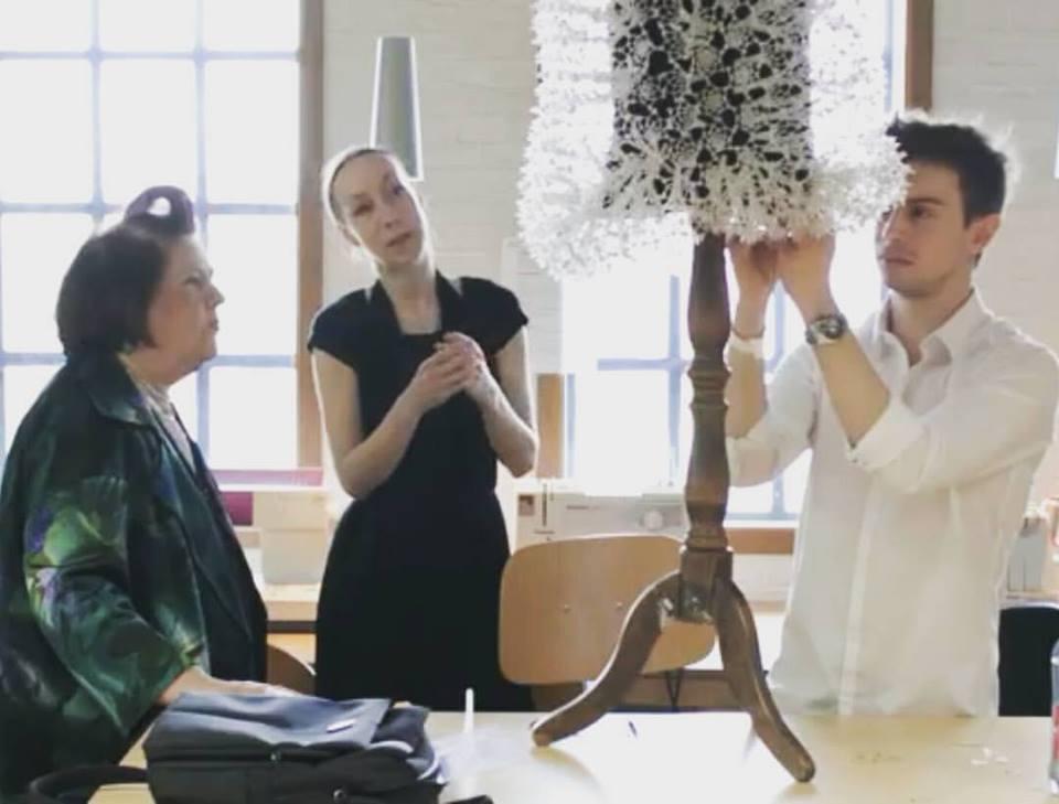 """Entrevista al diseñador Simone Chap: """"Nos encontramos en una etapa gobernada por celebridades basura, quienes a veces se las dan de diseñadores basura"""""""