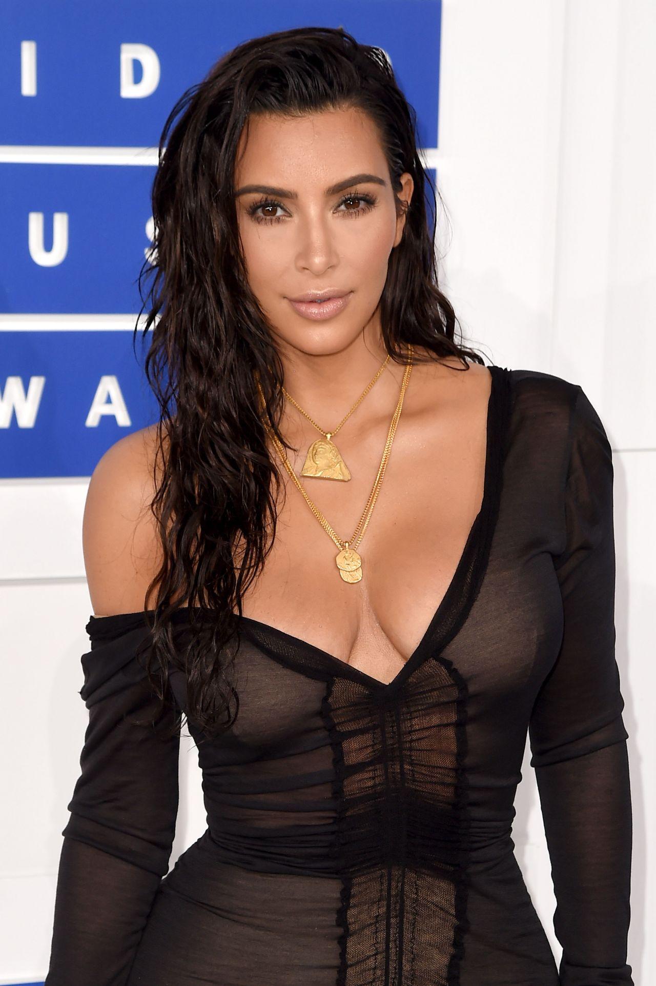 """5 pasos para lograr el """"wet look"""" o efecto mojado en tu pelo"""