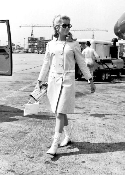 El estilo en los aeropuertos: Viajar en los 1960s